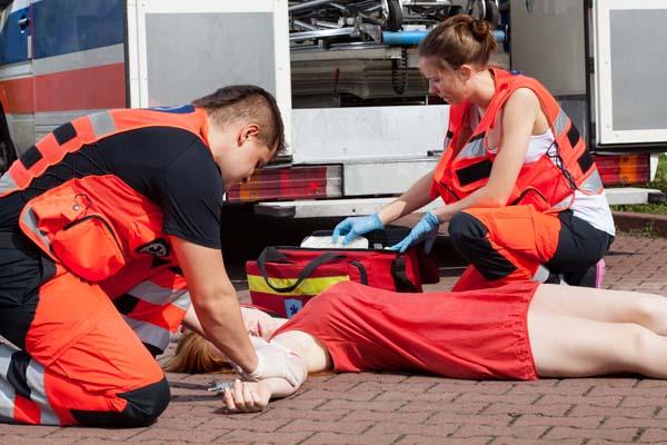 Оказание первой помощи при обмороке и коллапсе